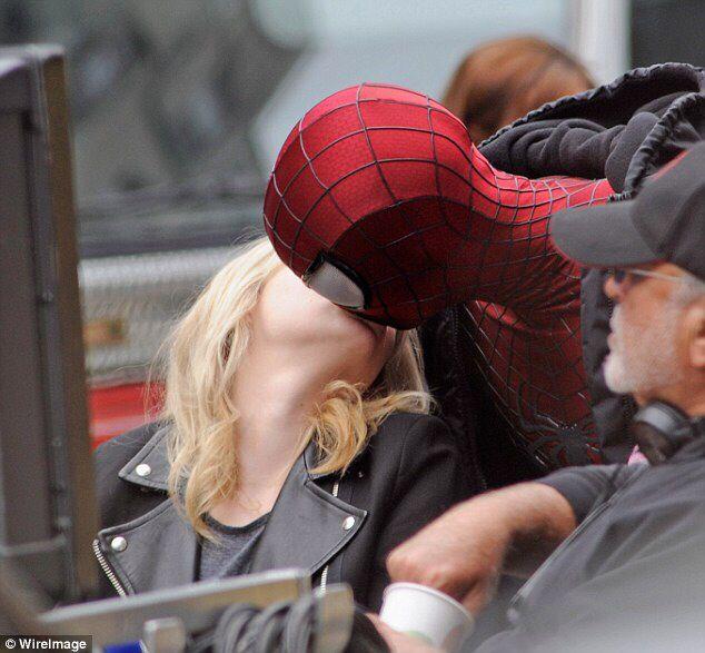 The Amazing Spider Man 2 Movie Kisses Emma Stone Rew Garfield