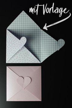 Kuvert mit Herz zur Hochzeit [Bastelvorlage & Plotterfreebie] - kugelig.com #briefumschlagbasteln