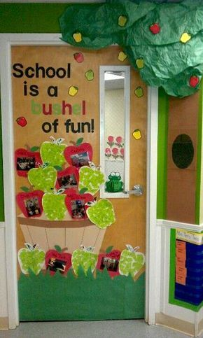 30 Super Cool Classroom Doors to Bring in the Fall Season at School