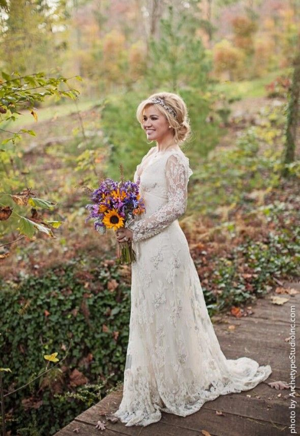 5 Things We Loved About Kelly Clarkson Wedding Rustic Wedding Chic Country Wedding Dresses Celebrity Wedding Dresses Kelly Clarkson Wedding