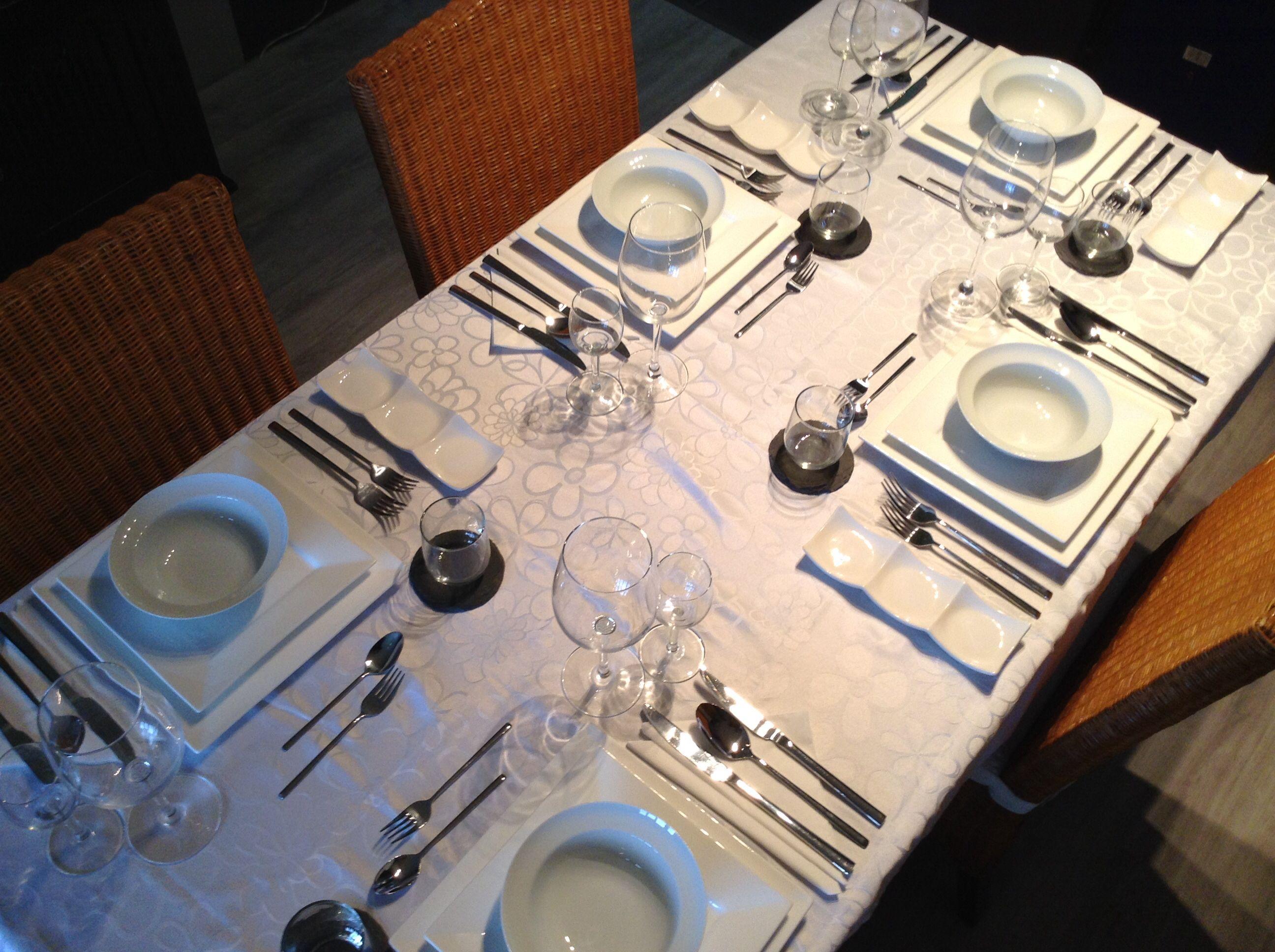 Gedekte tafel voor 5.