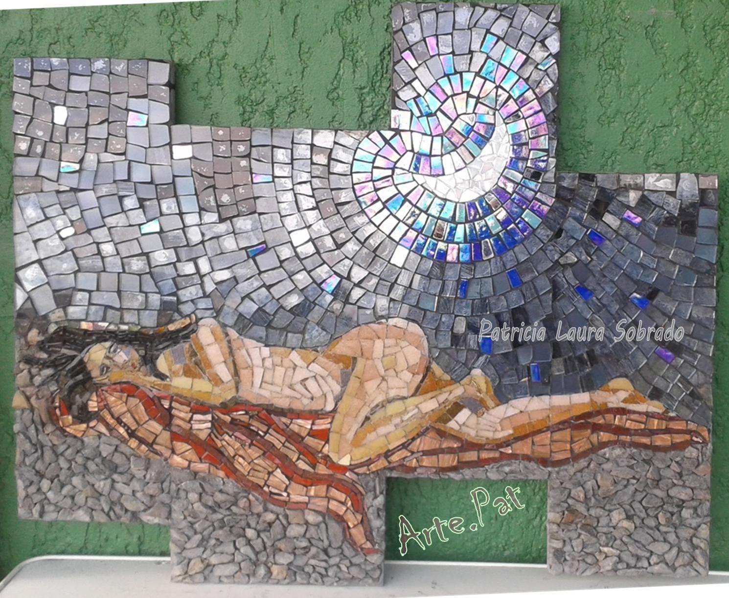 """""""DURMIENDO BAJO LA LUNA"""", Mosaiquismo, sobre MDF 70 cm, x 60 cm, venecitas, espejo, vidrios pintados y piedra. Realización Arte.Pat Patricia Laura Sobrado."""