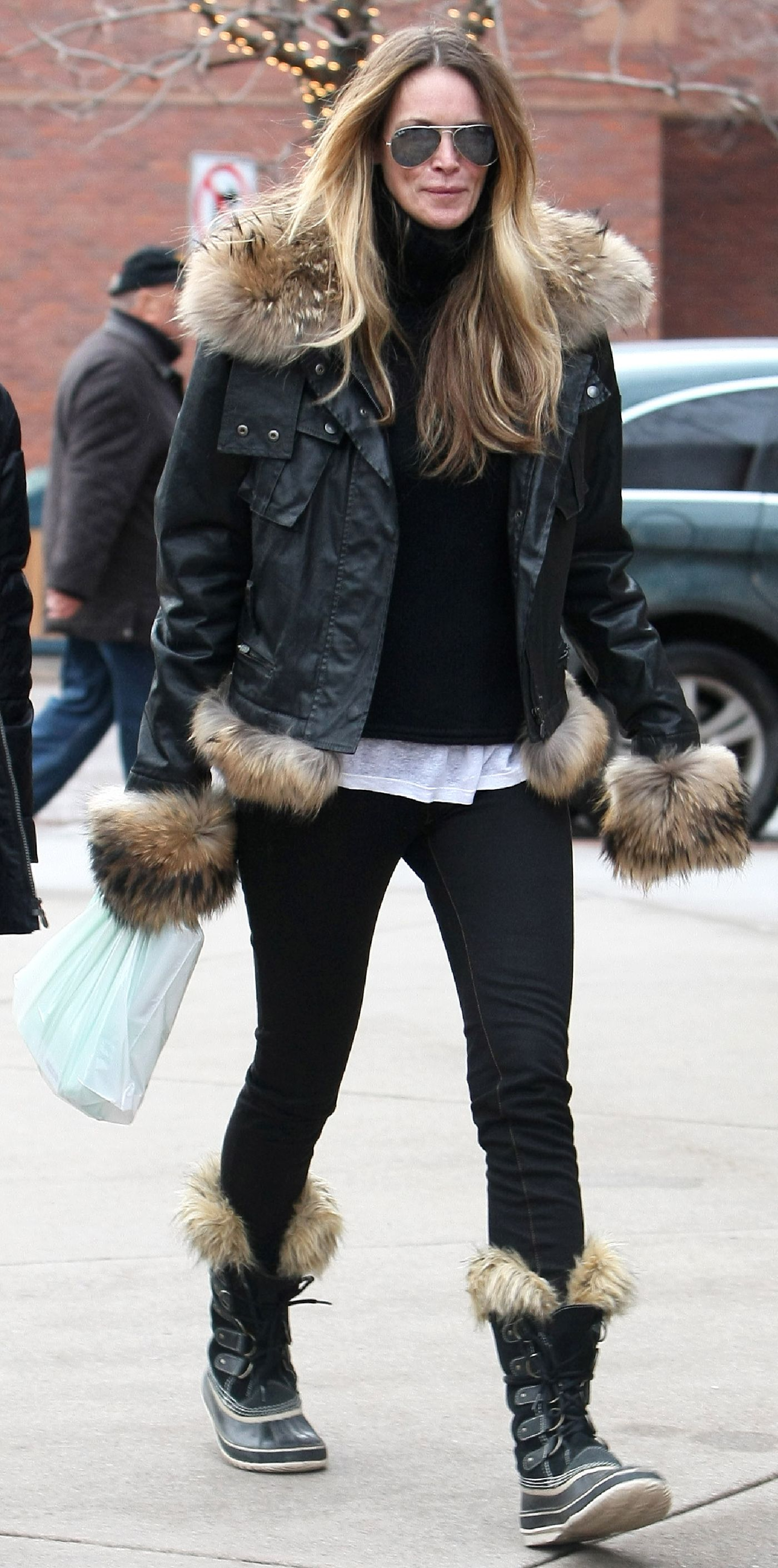 33eaf188c42 Celebrities Love Their Sorel Boots - Elle MacPherson from InStyle.com