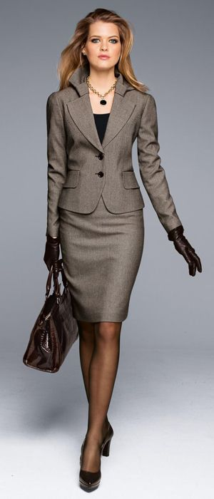 Image from http://www.fashionablestyle.mobi/wp-content/uploads/2015/01/classic-women-business-suit-jacket-and-skirt.jpg.