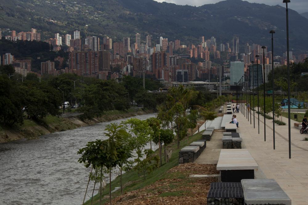Galería de 10 parques y plazas que enmarcan el paisaje urbano y la naturaleza en Colombia - 22