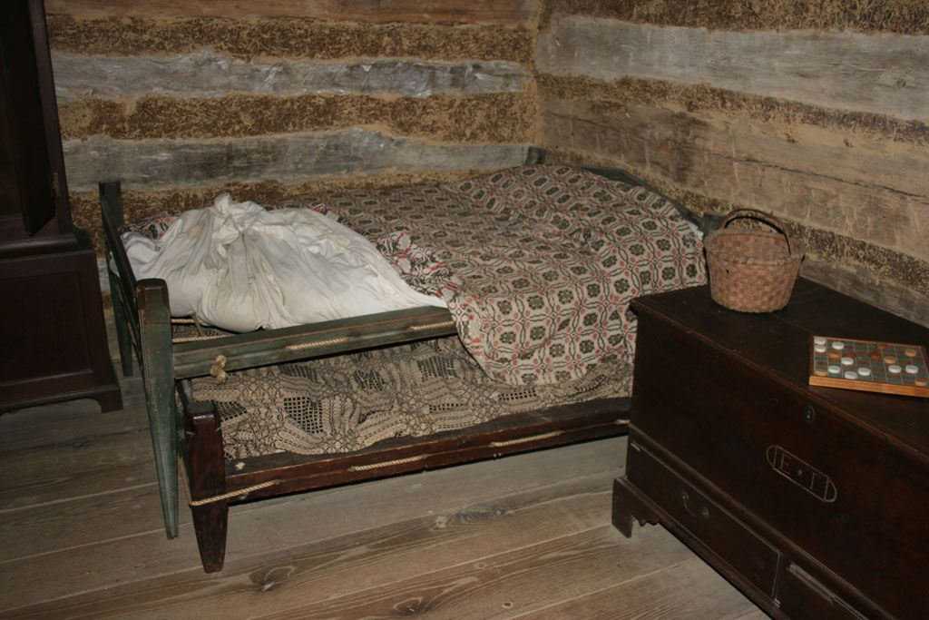Colonial Rope Bed With Trundle At Allen House In Alamance