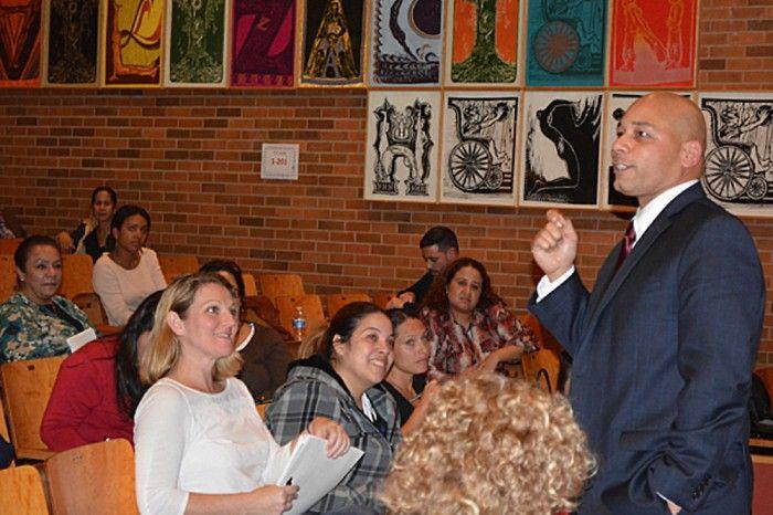 Nuevo Superintendente Escolar En NY Crea Expectativas Escuelas De Dominicanos