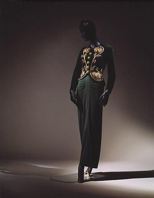 Elsa Schiaparelli evening ensemble circa from 1937-1938 for Salon ...