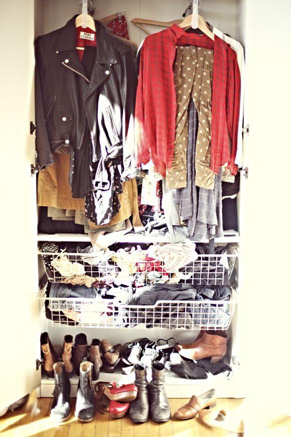 Un verdadero armario, nada de orden impoluto