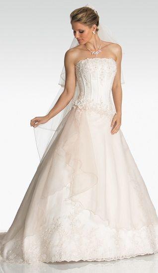9cb9a256e24 princess wedding dress