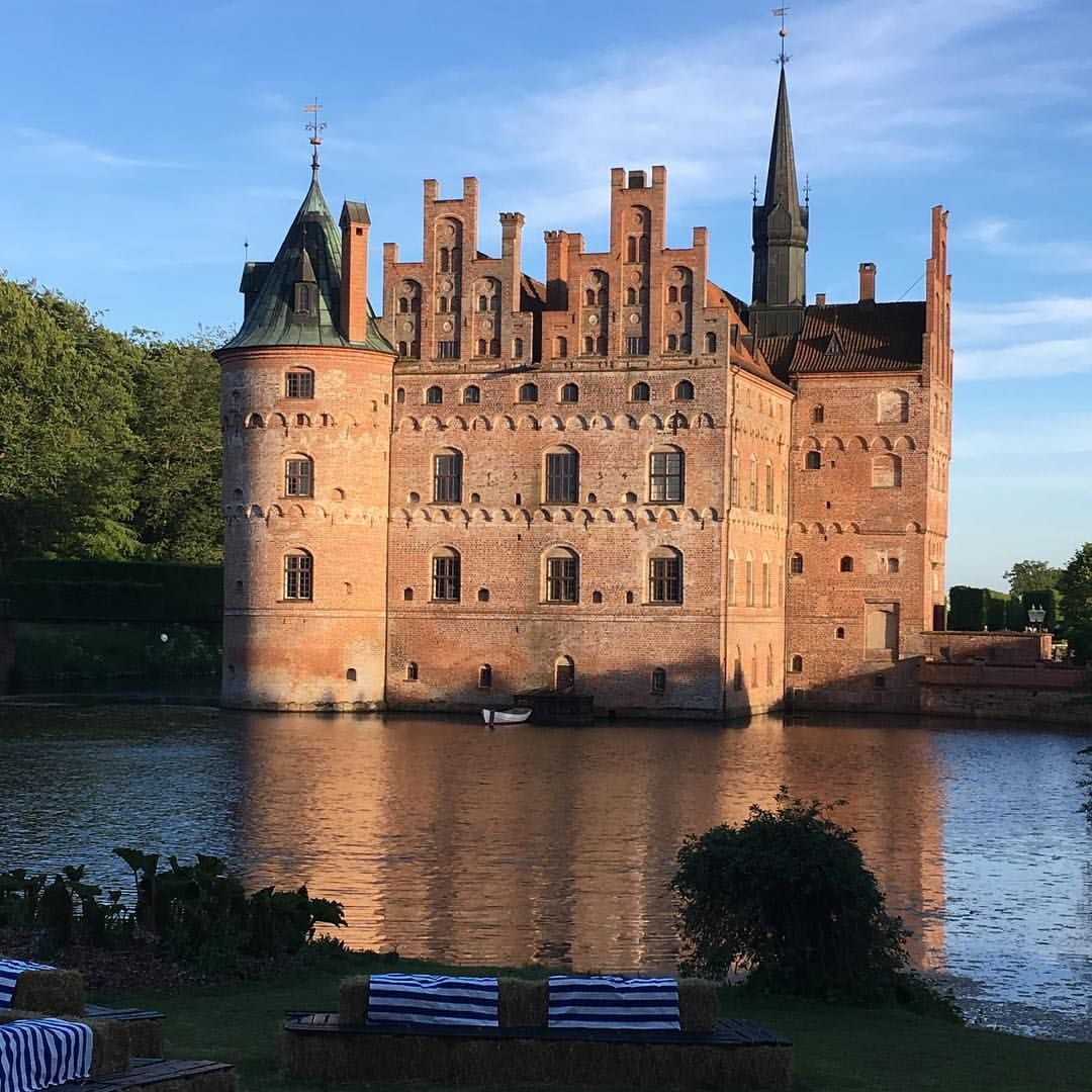 Egeskov Is So Ready For Heartland Festival This Weekend And So Are We Egeskov Heartlandfestival Be Beautiful Destinations Instagram Barcelona Cathedral