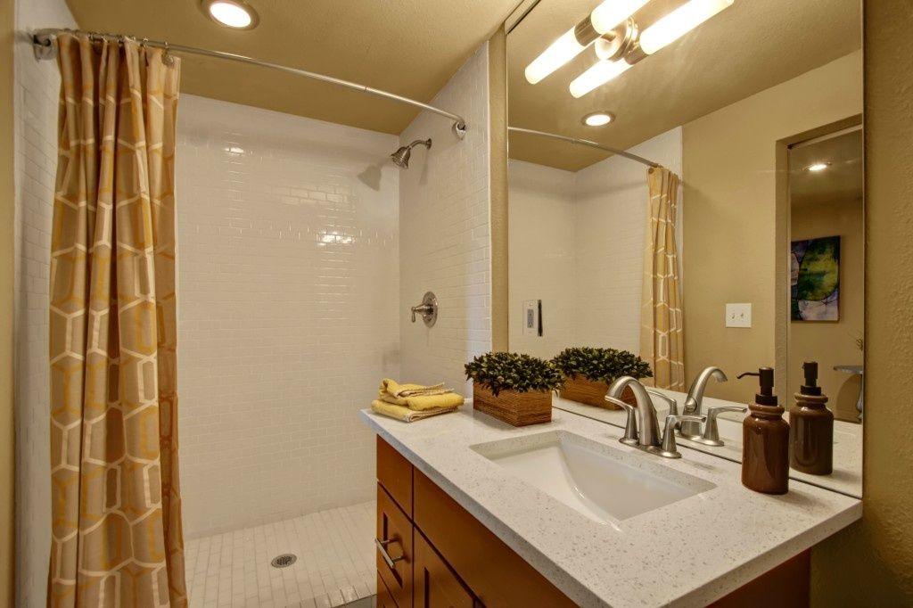 Contemporary 3 4 Bathroom With Kohler K 5316 4 Bn Vibrant Brushed