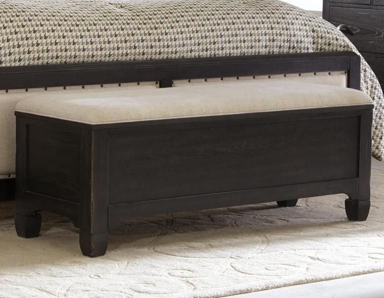 End Of Bed Storage Bench With Black Finishing For Comfy Bedroom