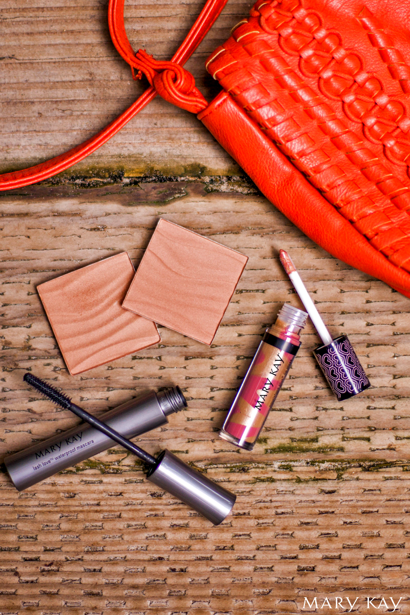 This summer, we're all about achieving a healthy glow. Create a natural-looking, sun-kissed glow with Mary Kay® bronzing powder! Add a swipe of waterproof mascara and brilliant gloss and you've mastered the natural summer makeup look!