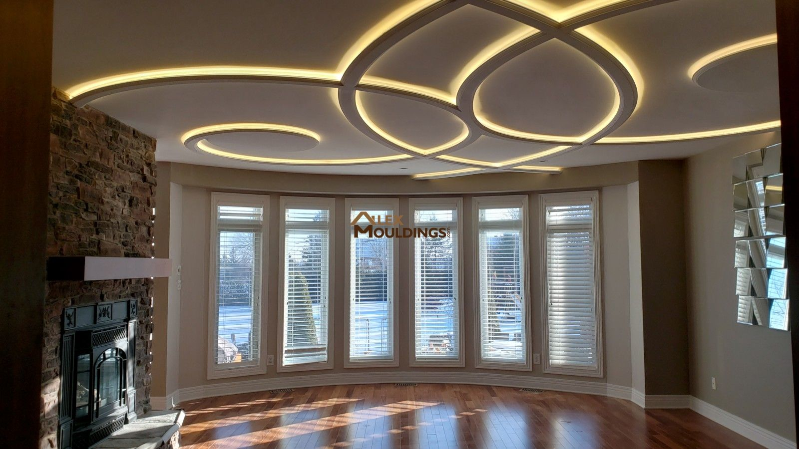 A Modern Coffered Ceiling Design Is The Oldest Recipe For Successful Home Interior Decorations An