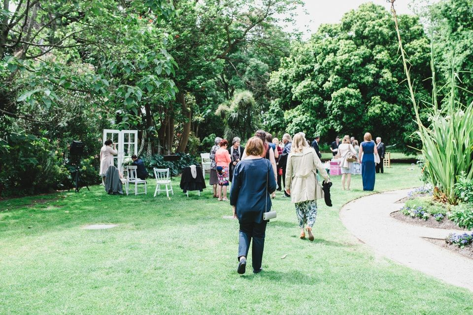 Beautiful People Arriving For The Victoria Gardens Prahran Wedding Ceremony. Pictures Gallery