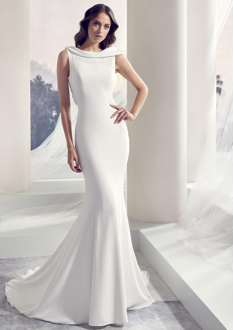 Conservative wedding dress  Trouwjurk Le Papillon by Modeca Tenerife  Less is more wedding