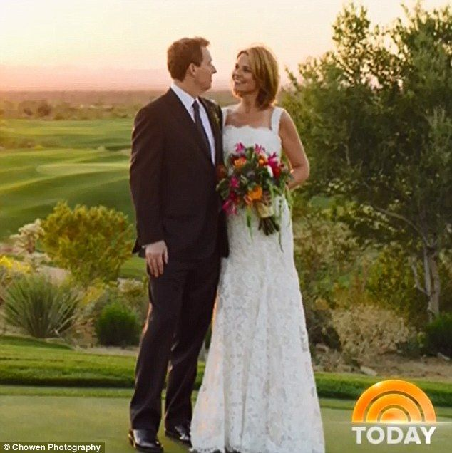 Savannah Guthrie Announces She Got Married On Saturday Savannah Guthrie Celebrity Weddings Savannah Chat