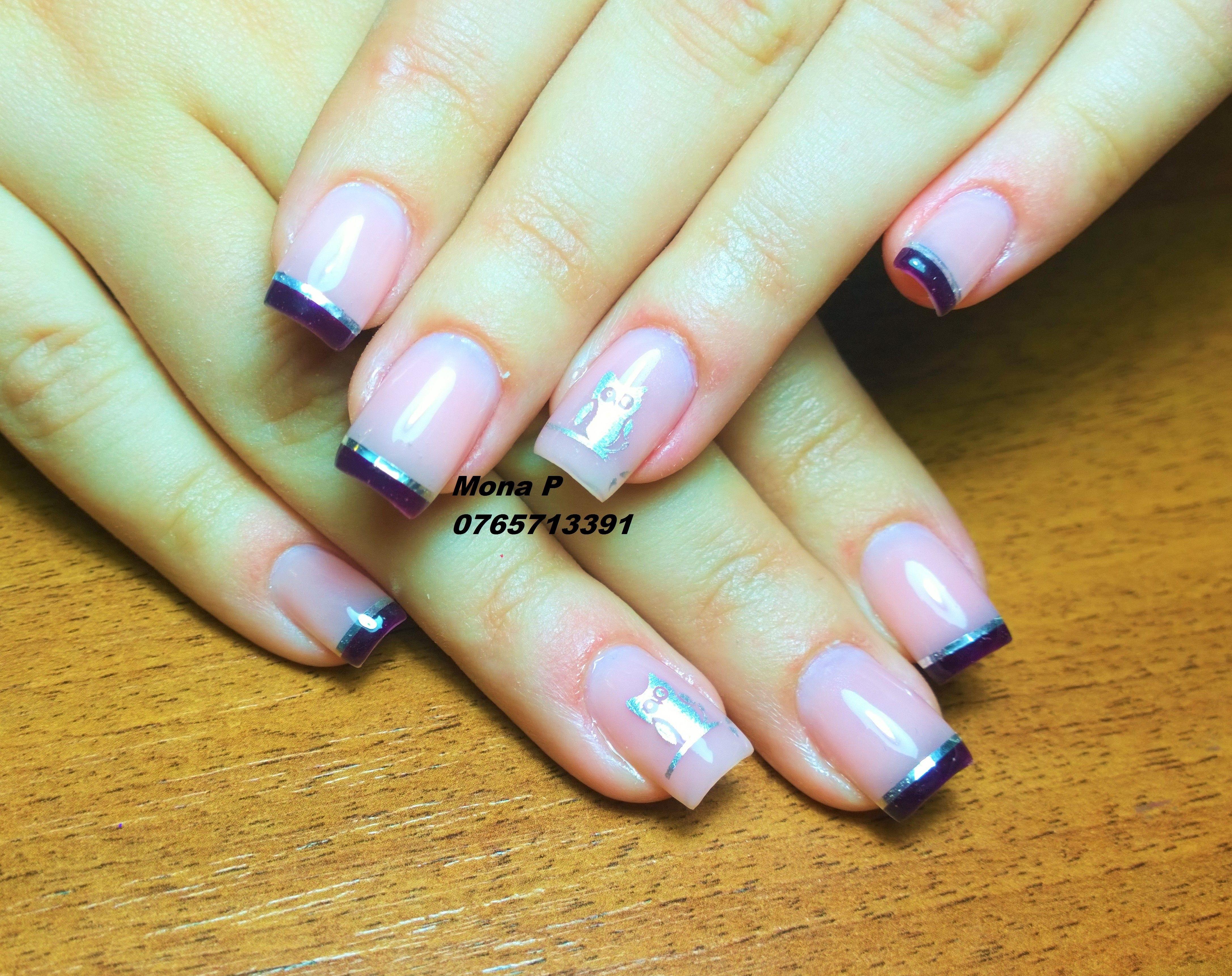 Silver stripe nail art