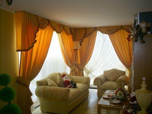 Unas cortinas muy hermosas en blanco y naranja