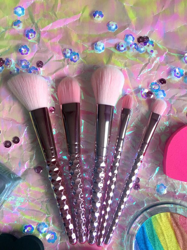 Beauty Time with Forever 21 Makeup brush set, Makeup