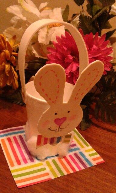 Canasta pascua conejo vaso espuma goma eva.