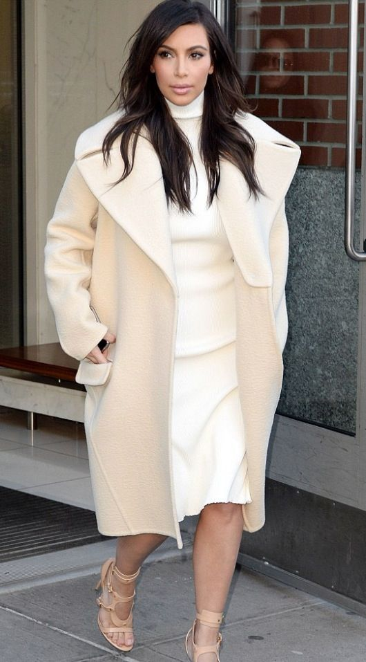 Kim Kardashian, 2014  Celine Coat and dress! Im obsessed with her coat collection