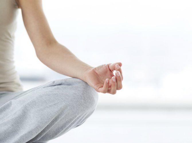 Yoga-Stellungen gegen Rückenschmerzen - freundin.de - Yoga..
