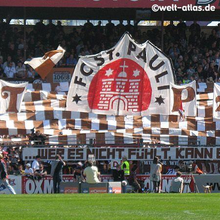 Los partidarios del St. Pauli se refieren a veces al club como Weltpokalsiegerbesieger (Vencedores del Campeón Mundial de Clubes) después de su triunfo de local en 2002 por 2:1 contra el Bayern Múnich, entonces ganadores del Copa Intercontinental 2001.