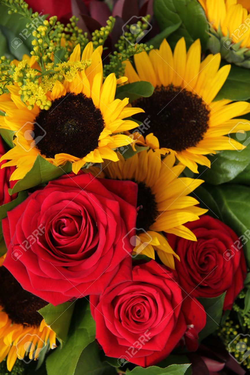 Big Red Roses And Sunflowers In A Floral Arrangement Sunflowers And Roses Red Roses And Sunflowers Flowers Photography