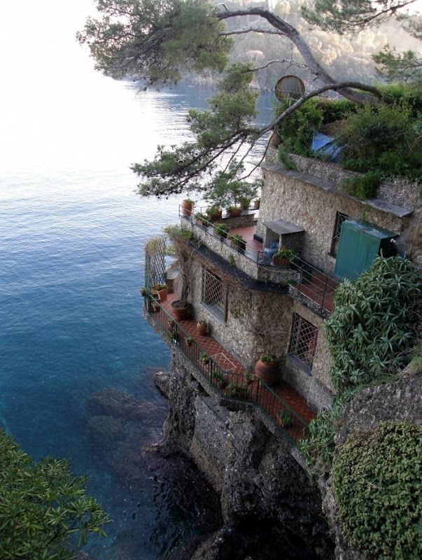 amazing house built into a cliff dream home beautiful places architecture cinque terre italy. Black Bedroom Furniture Sets. Home Design Ideas