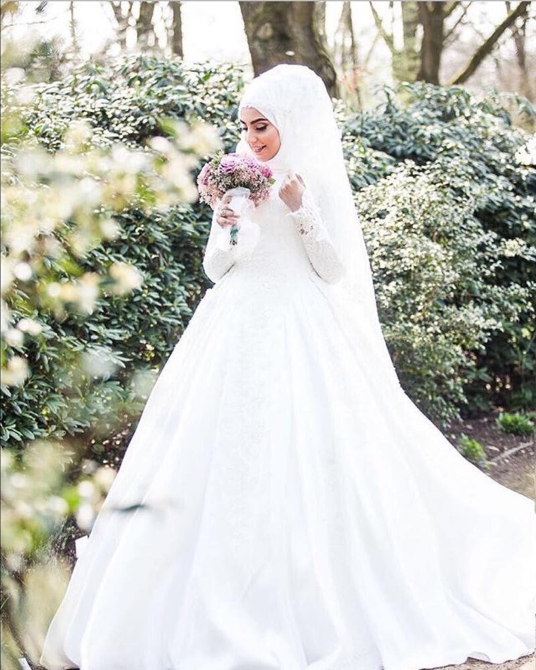 11 Likes, 11 Comments - Hijabi Bride Fashion 🎀🎀 (@hijabiwedding