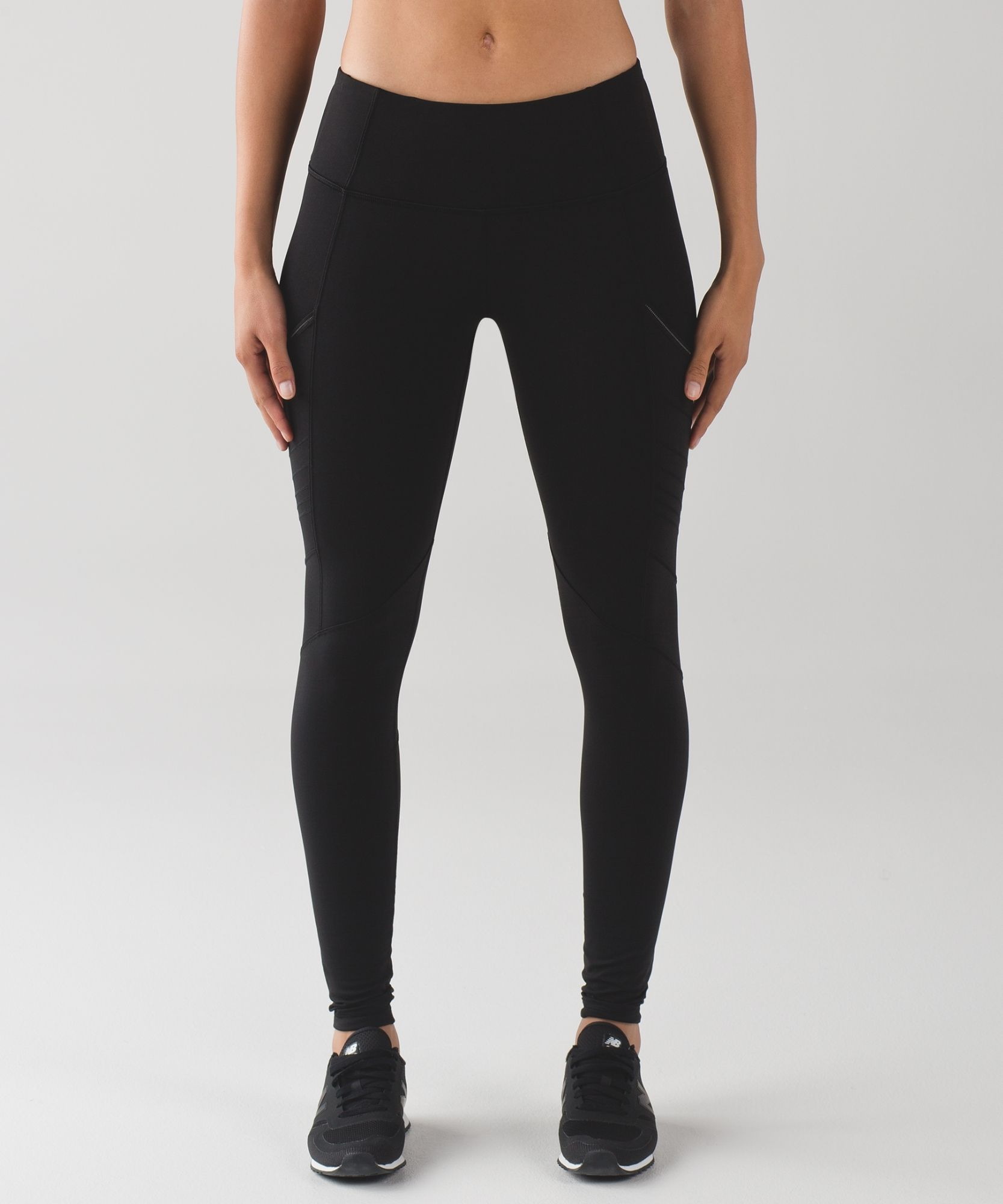 f5013e3b09 LULULEMON Fresh Tracks Tight (size 4) These tights were designed with  sweat-wicking Tech Fleece fabric, brushed on the inside for warmth without  weight to ...