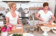 Pamela Anderson Launches 'Sensual Vegan' Cooking Show | Ecorazzi