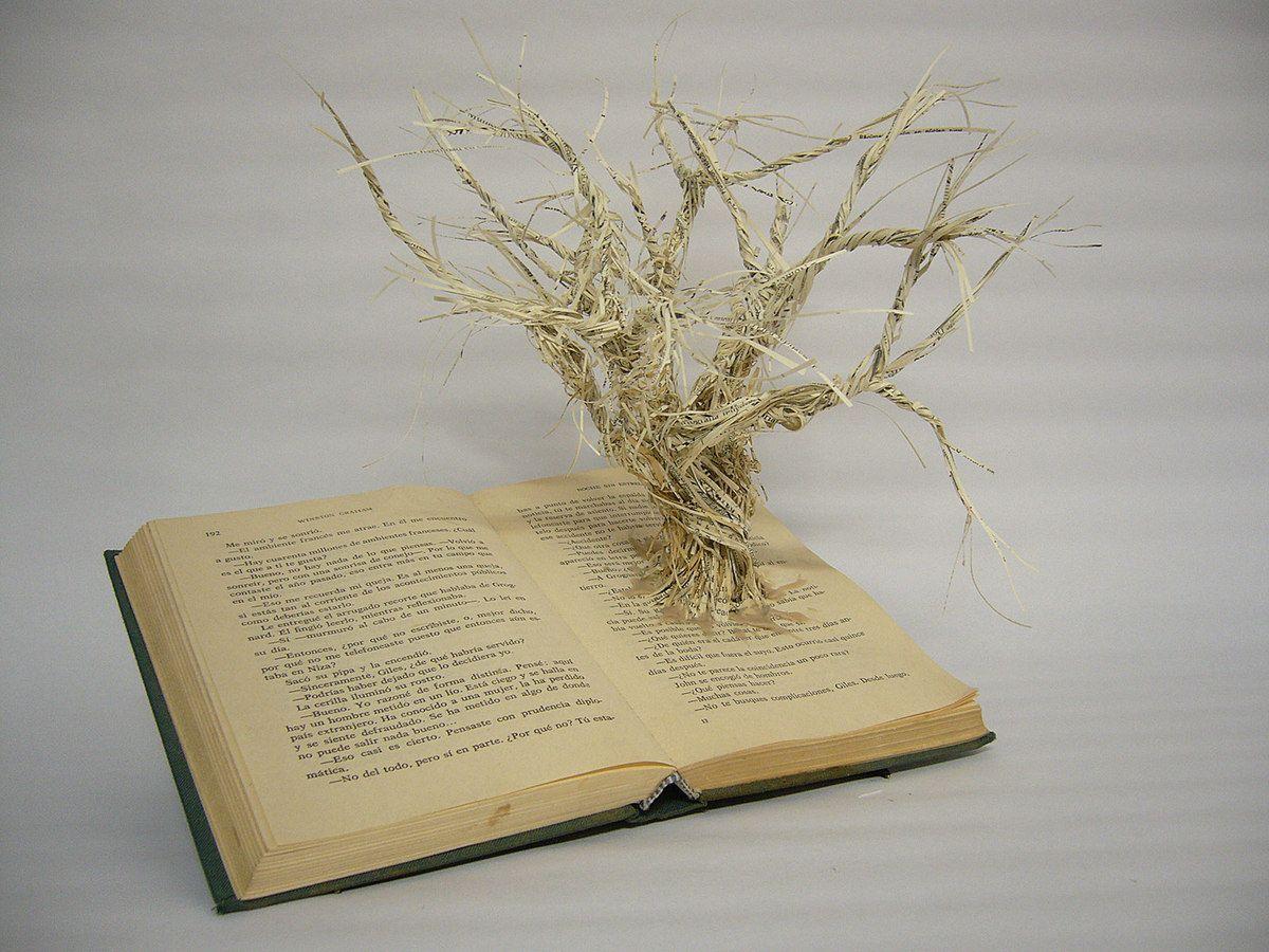 Beatriz Díaz Ceballos  Biografía. El Árbol hablado Mixta 20 cm x 30 cm x 20 cm 2014