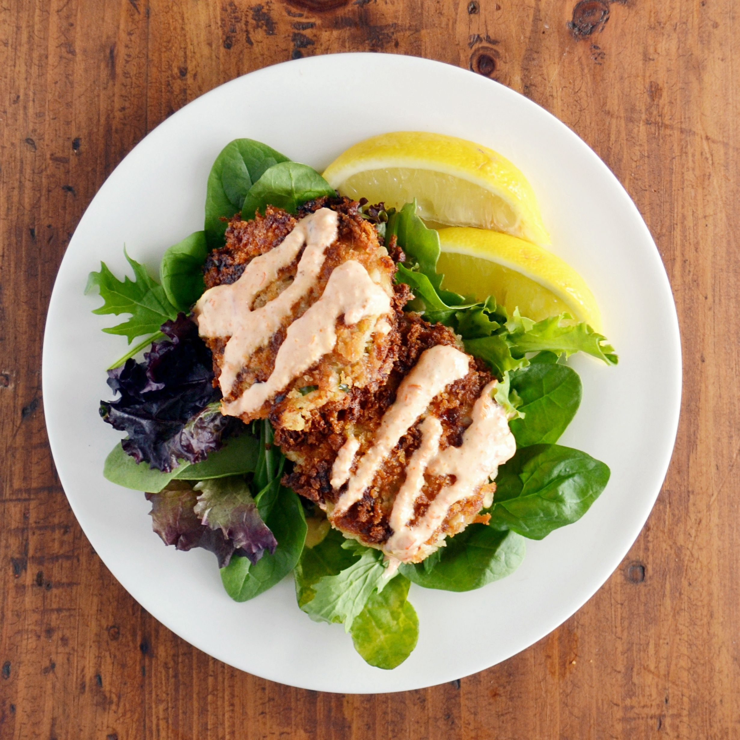 Crispy crab cakes with roasted red pepper garlic aioli