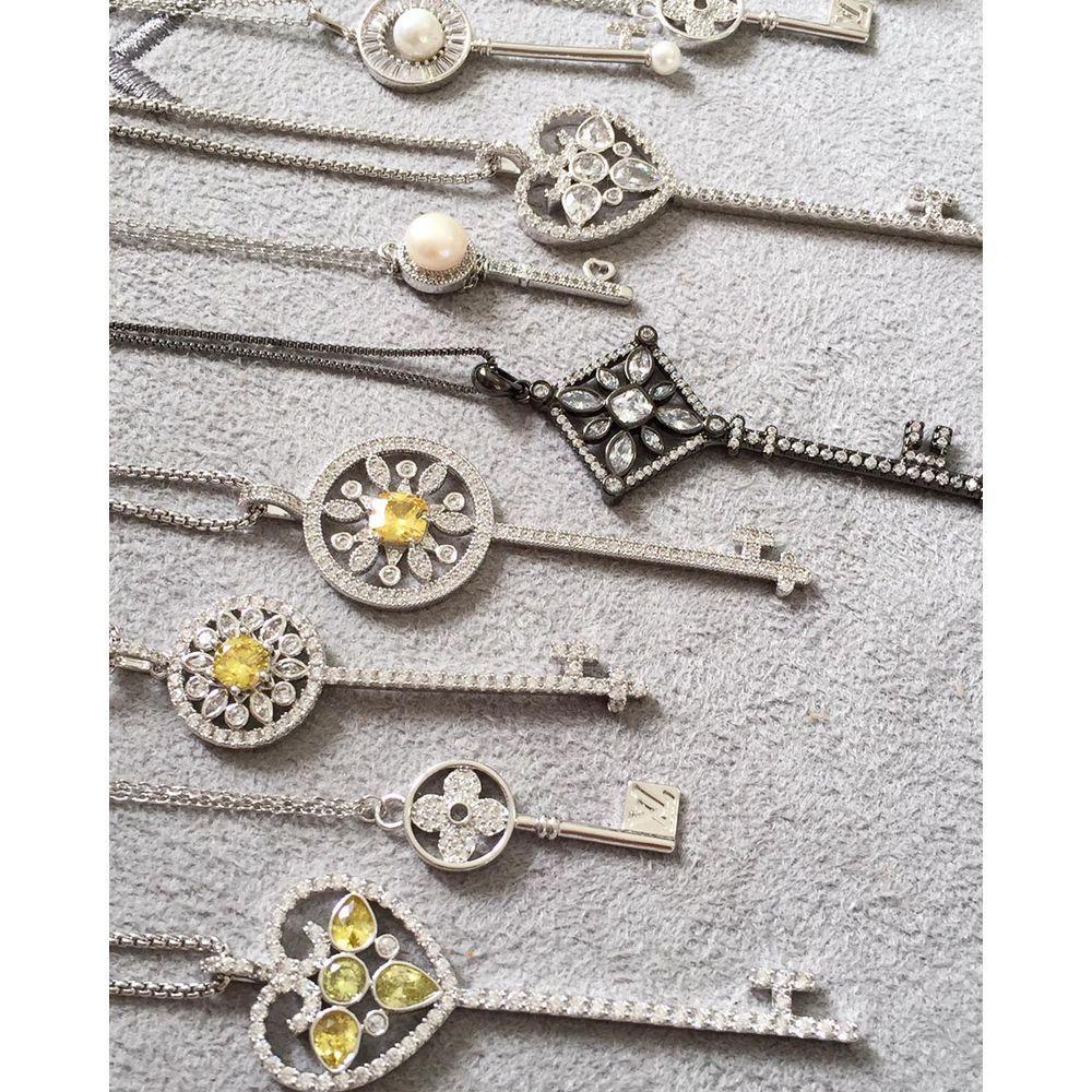 5543392a732e5 Colar chave tiffany prata pedras amarelas grande com corrente longa rodio  joias   Waufen Semi Joias