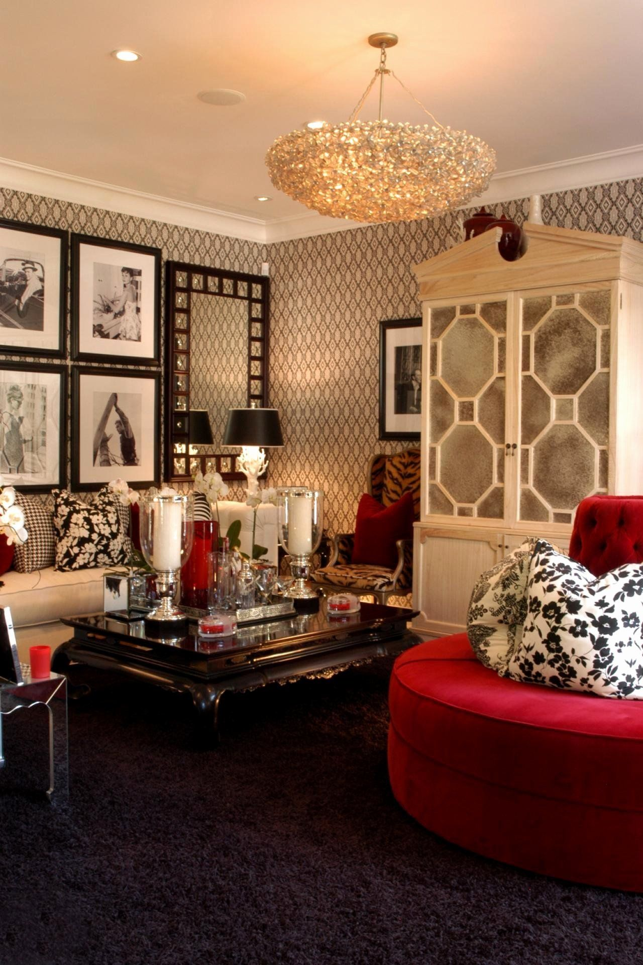 Small guest bedroom Hollywood glamour decor. Glamour