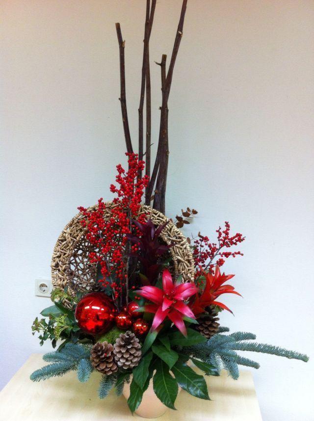 Pin de lexann kienke en christmas floral pinterest - Arreglos navidenos para mesa ...