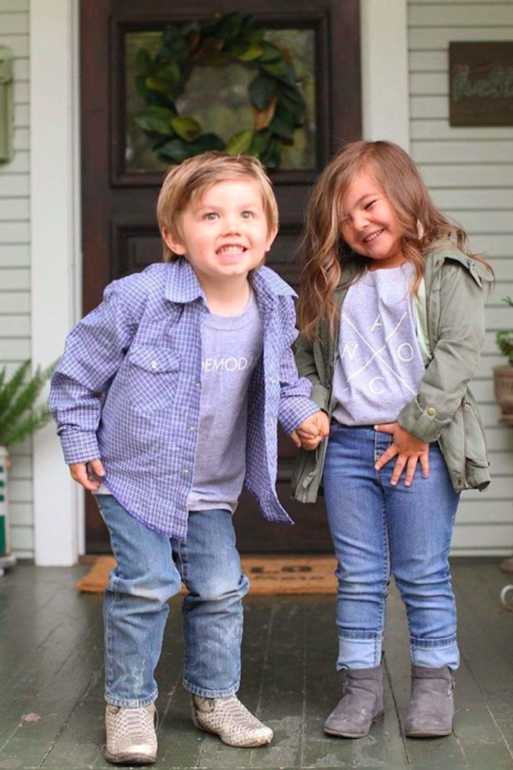 These Adorable Kids Impersonating Chip and Joanna Gaines Is the Cutest Thing You'll See Today #chipandjoannagainescostume These Adorable Kids Impersonating Chip and Joanna Gaines is The Cutest Thing You'll See Today #chipandjoannagainescostume