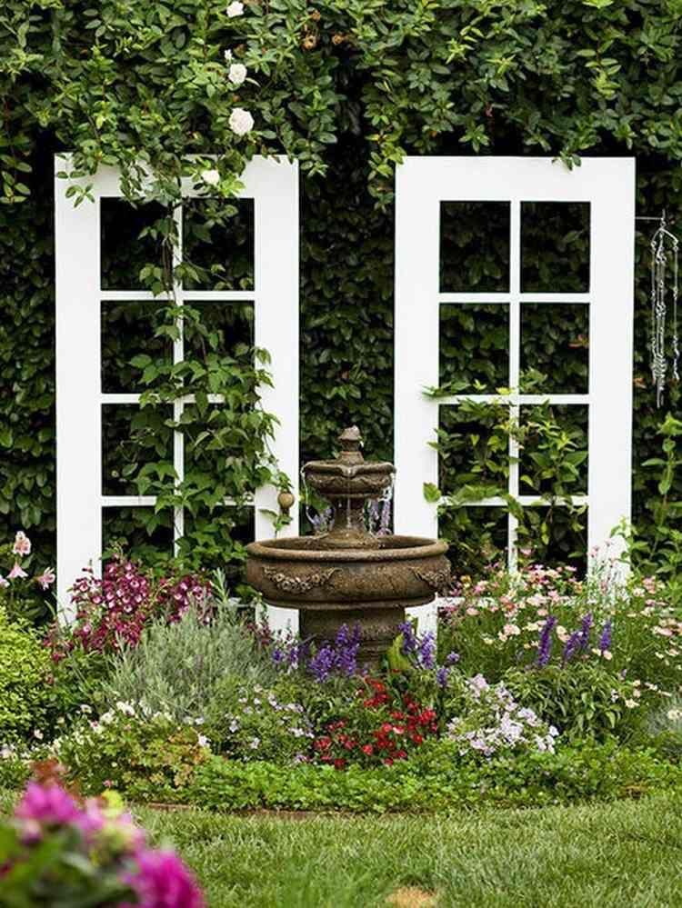 alte fenster als kletterranke für pflanzen im garten einsetzen, Garten und erstellen
