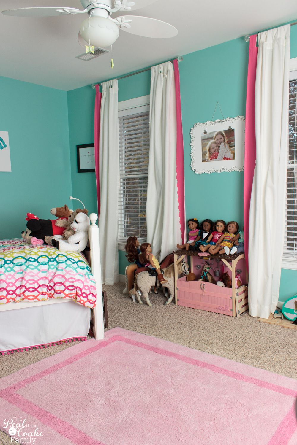 Love this cute tween girls bedroom So