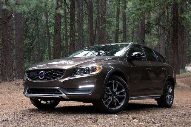 Volvo S V60 Cross Country Is Comfortable On Roads Confident Venturing Off Them Volvo V60 Volvo Cars Volvo
