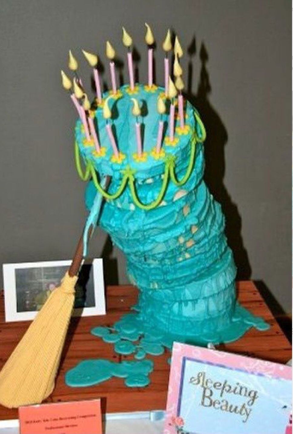 Sleeping Beauty 16th Birthday Cake Sleeping Beauty Cake Beauty Cakes Disney Cakes