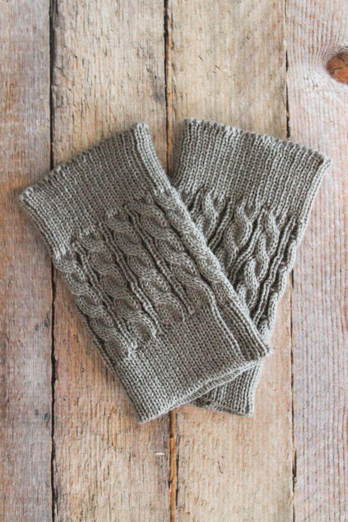 Grey Cable Knit Boot Cuffs | Wolle und Stricken