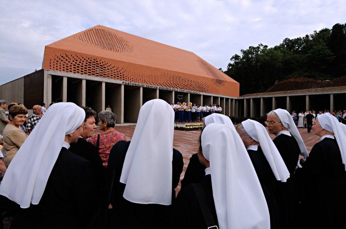 Gallery Of Pope John Paul Ii Hall Randi Turato 21 Pope  # Muebles Fiotti Cali