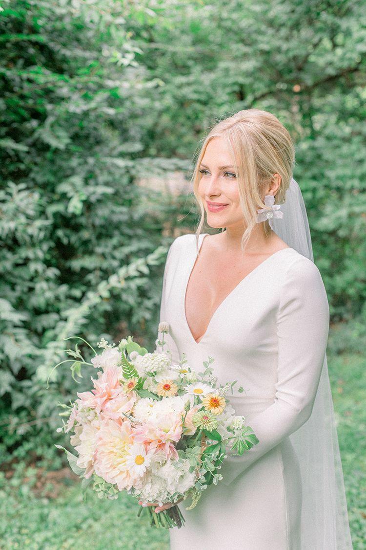Simple Elegant Backyard Wedding Macy Greg The Pink Bride Backyard Wedding Dresses Elegant Long Sleeve Wedding Dresses Wedding Dress Long Sleeve [ 1125 x 750 Pixel ]
