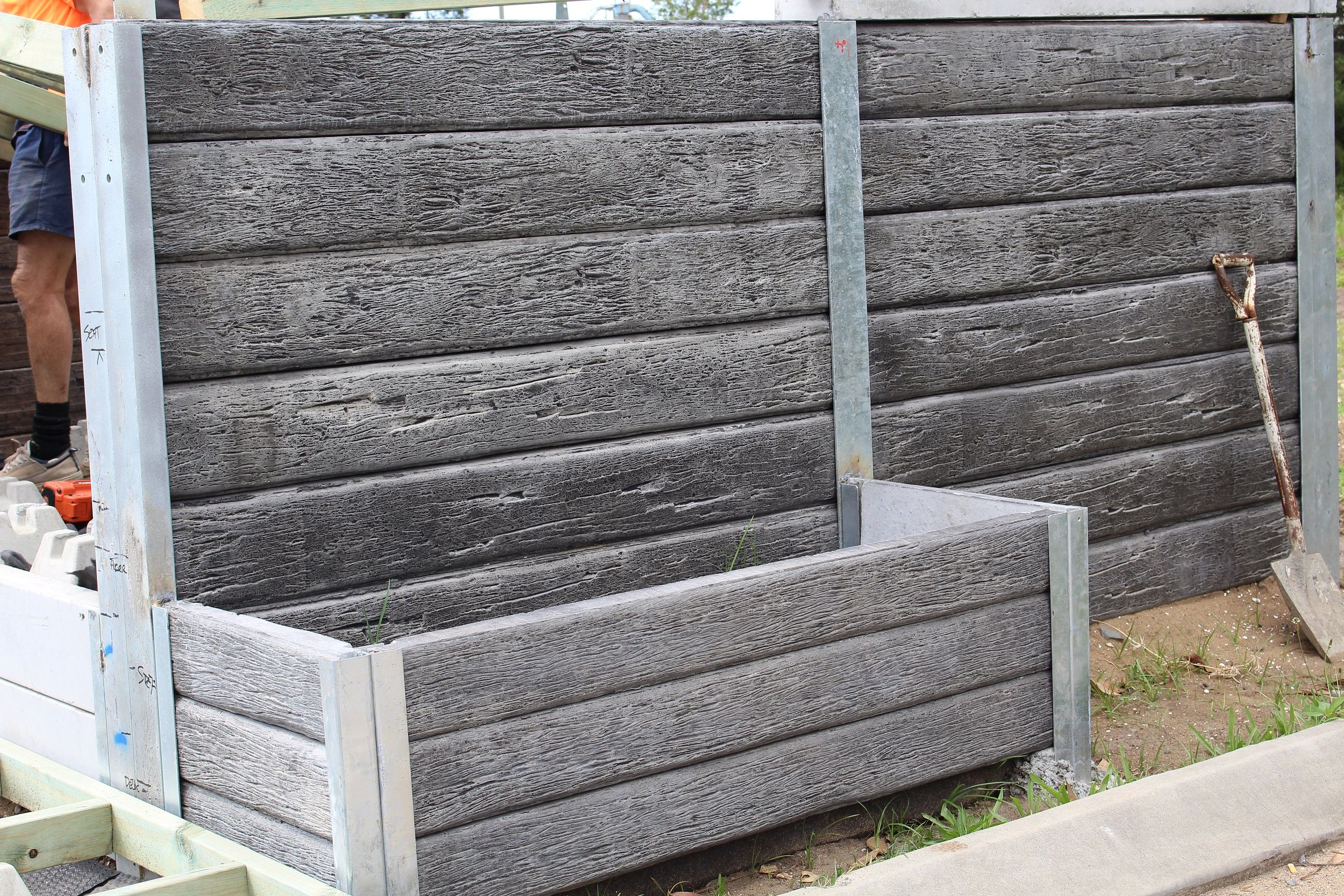 Pioneer Gumtree Concrete Sleepers Used As A Planter Box For More Information Visit Concrete Sleeper Retaining Walls Retaining Wall Design Backyard Landscaping