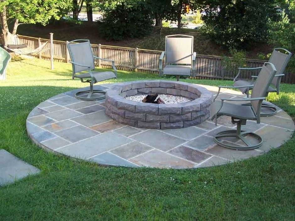 Diy backyard ideas backyard firepit design ideas for Simple back patio ideas