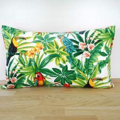 housse de coussin 50x30cm tissu exotique imprim. Black Bedroom Furniture Sets. Home Design Ideas